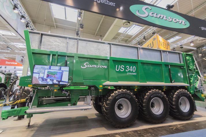 Samson a présenté deux nouveaux épandeurs le US et le Flex II.