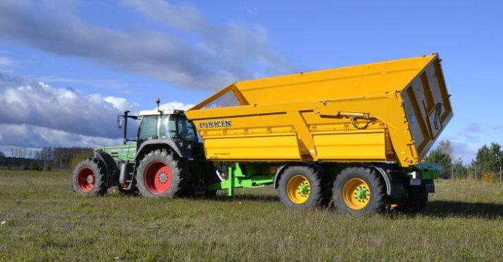 Les bennes Trans-CAP 6000 et 6500 de Joskinpeuvent dorénavant se décliner en bennage latéral.