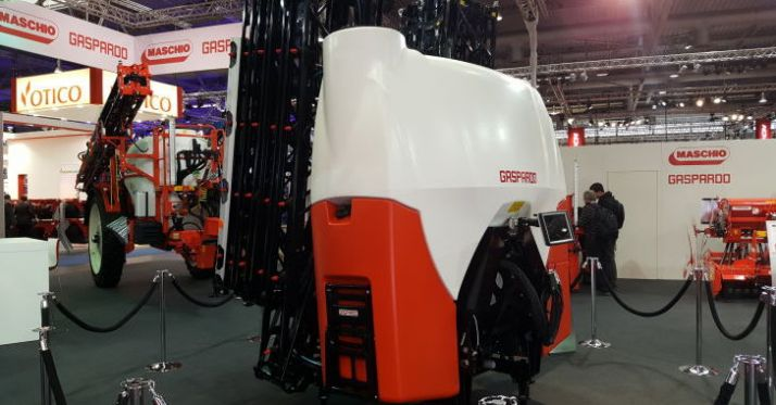 Gaspardo présente son modèle porté. Le GP1 a été dévoilé pour la première fois à l'Agritechnica 2017.