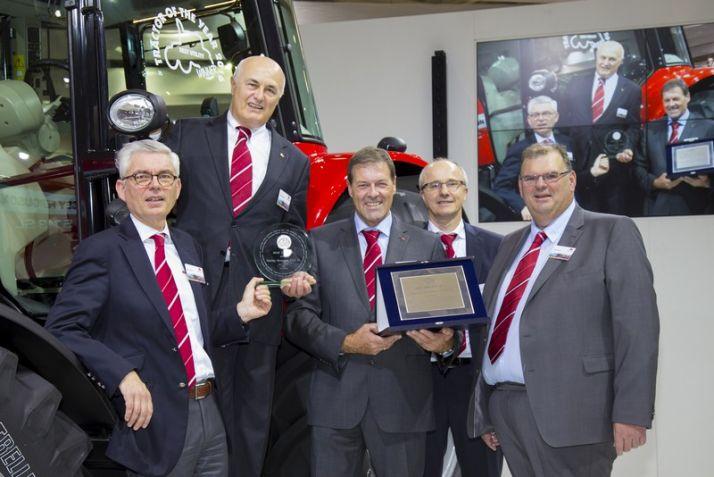 Le nouveau 5713 SL de Massey récompensé. Photo: Massey Ferguson