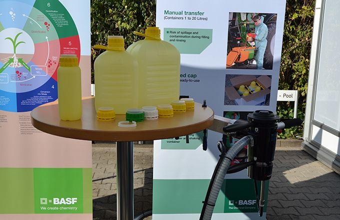 BASF proposera ezi-connect, un système de remplissage du pulvérisateur qui évite l'exposition de l'agriculteur aux produits phyto. © BASF