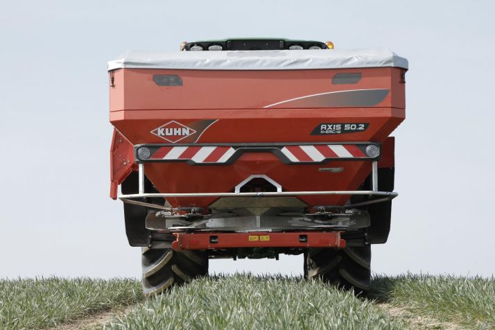 Kuhn AXIS 50.2 W VS 8
