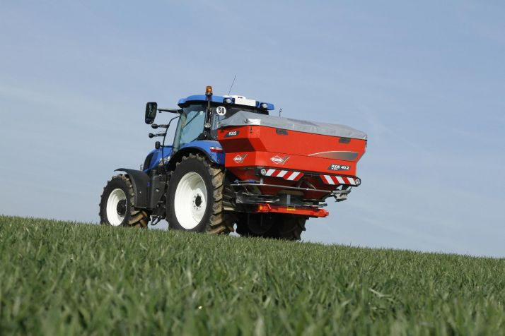 Kuhn AXIS 40.2 M-EMC-W VS 4