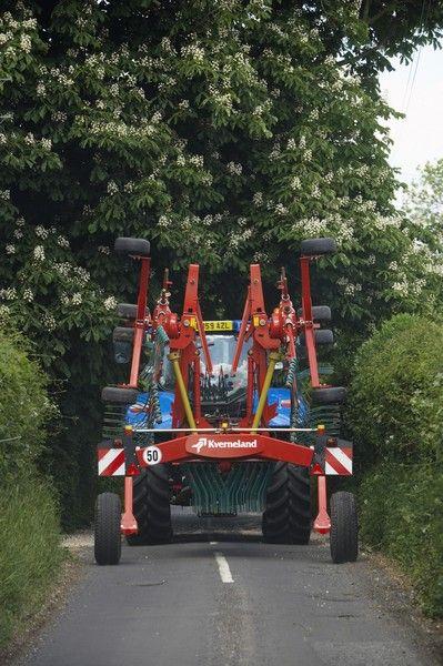 Un nouvel andaineur double rotor chez Kverneland
