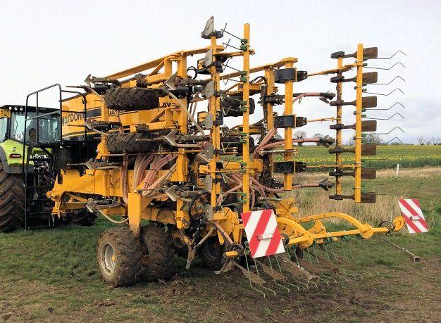 L'Hybrid-T sera disponible en 6 mètres, puis 8 par la suite. Photos: Claydon
