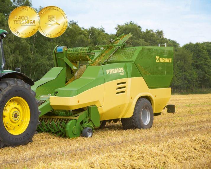 La Premos de Krone récolte et fabrique les pellets aux champs. © Krone