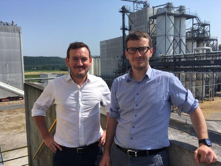 A gauche, Antoine Grasser, responsable pôle Grains chez Natup et Féréol Mazard, directeur du site de Lillebonne