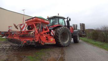 Combiné de semis avec roue plomberie. Crédit : Mathieu Lecourtier/Média&Agriculture