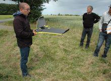 L'utilisation du drone fait partie des solutions pour diminuer les phyto en permettant la cartographie des parcelles pour moduler les doses, en diagnostiquant précocement les maladies ou encore en suivant l'évaluation de la biomasse dans les champs.