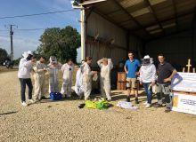 Rencontre apiculteurs agriculteurs organisée à Saigny-Levescault, par Terrena, à l'EARL Giret. Photo :  O. Lévêque/Pixel6TM