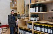 Emmanuel Brossard a produit 5 500 bouteilles d'huile en 2016. © A. Lambert / Pixel Image