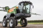 Pour les applications sur les cultures hautes (maïs, tournesols), Amazone propose désormais le Pantera 4502-H avec un châssis hydraulique réglable en hauteur. Photo: Amazone